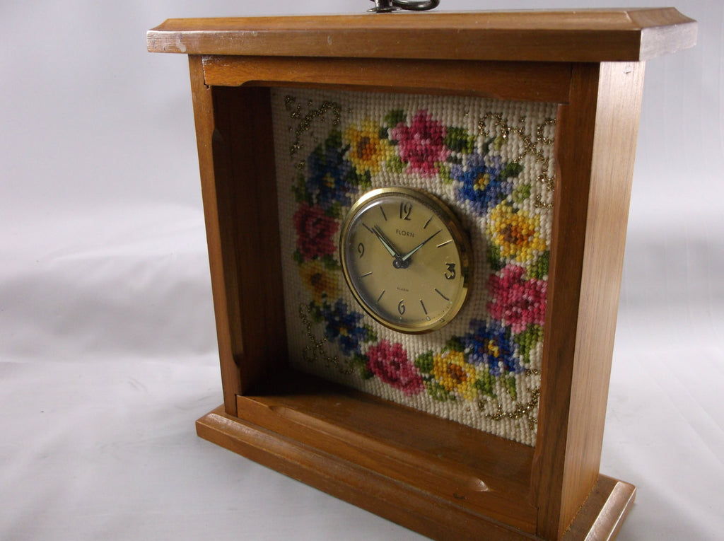 Travel Alarm Clock Vintage Florn Tapestry  Mantel clock from Germany Wind Up  In Great Condition.epsteam