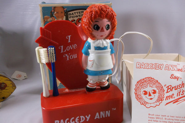 Raggedy Ann Vintage  Battery Powered Toothbrush in Original Box