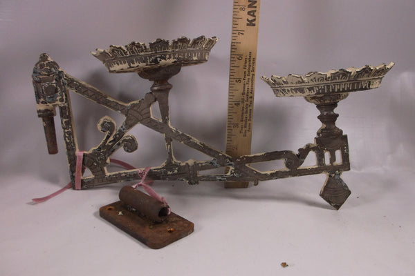 Antique Victorian Eastlake Wall Mount Double Oil Lamp Holder Sconce Cast iron.epsteam