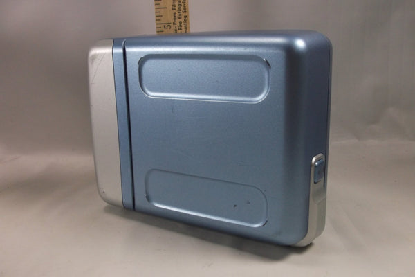 Polaroid One 600  Instant Film Blue Camera! .Not Tested epsteam