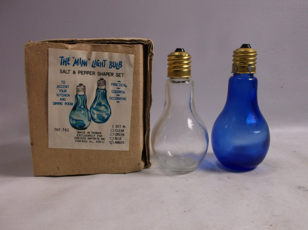 Salt and  Pepper Shaker Set Vintage Glass  Light Bulb Brass Screw Tops  Rare  .epsteam