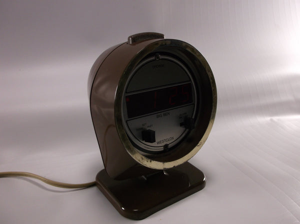 Space Age Big Ben Electric alarm clock Wood tone (brown) plastic pedestal base . LED readout. Westclox In  Great Condition.epsteam