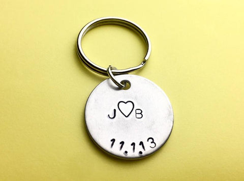 Personalized Couples Initial Keychain- Perfect Gift for Boyfriend/Girlfriend