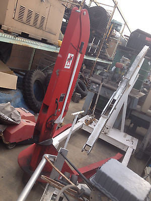 High capacity red hydralic lift with boom Star Machine & Tool Co. (R)