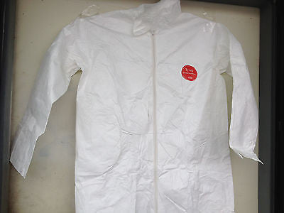 LOT OF 25 PIECES WHITE TYVEK COVER SUIT COVERALLS SIZE SMALL *ROOM 6