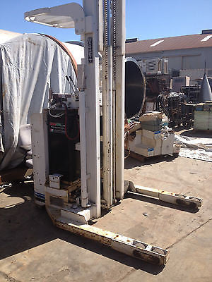 HIGH RISE FORKLIFT 270 INCHES LIFT BARRETT RRT-DR-20-TTH TYPE E W/ Charger (R)