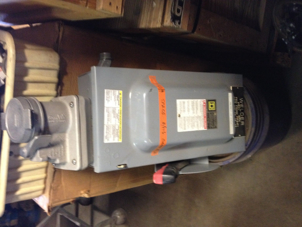 USED SQUARE D LARGE  SWITCH POWER BOX (R)
