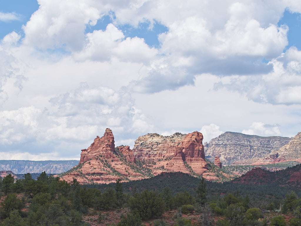 red-rocks-blue-sky-white-clouds-sedona