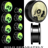 Webbed Skull Glow in the Dark Screw Fit Plug in Titanium