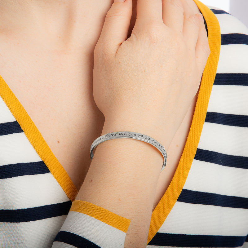 Disney_Couture_Kingdom_Winnie_the_Pooh_Jewellery_Friendship_white_Gold_Bangle_on_Model_Top_View