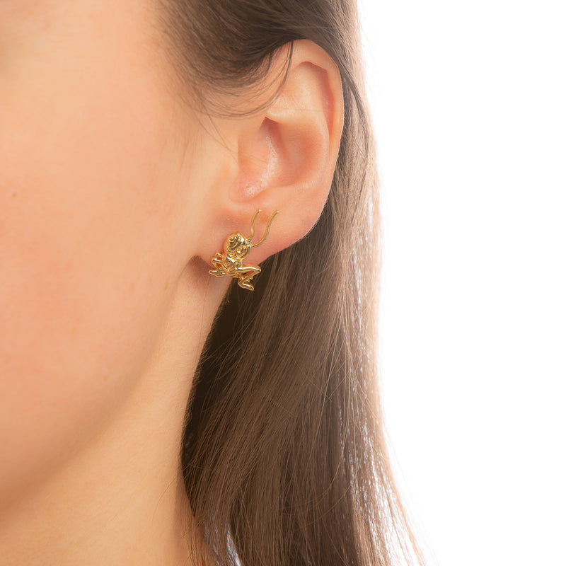 Model_Wearing_Disney_Mulan_Earrings_Yellow_Gold_CriKee
