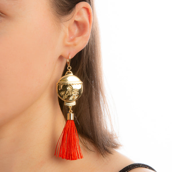Model_Wearing_Disney_Mulan_Lantern_Tassel_Earrings_Yellow