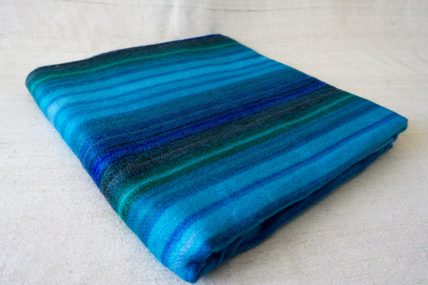 Alpaca Meditation Blanket: Ocean Play