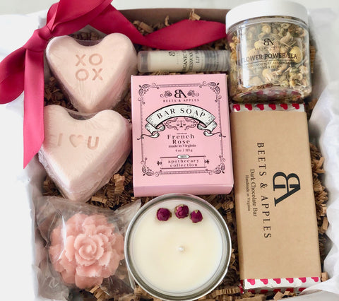 """XOXO, I LOVE YOU"" SPA GIFT SET"