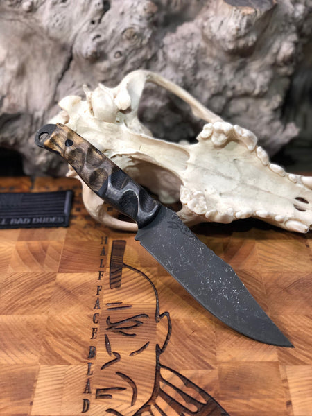 Crow scout blade, lightning carbon fiber, black and mas grey G10 center, spalted tamarind wood, black G10 liners, CF pins,
