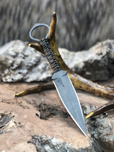 Ring dagger, woodland multicam paracord wrap