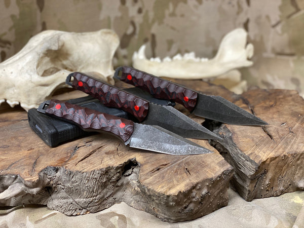Tanto blade, black and red G10 chaos grip, red G10 pins, open tang,