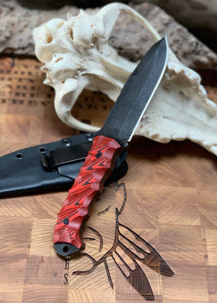 Disaster breacher blade, black and red layered G10 chaos grip, carbon fiber pins,