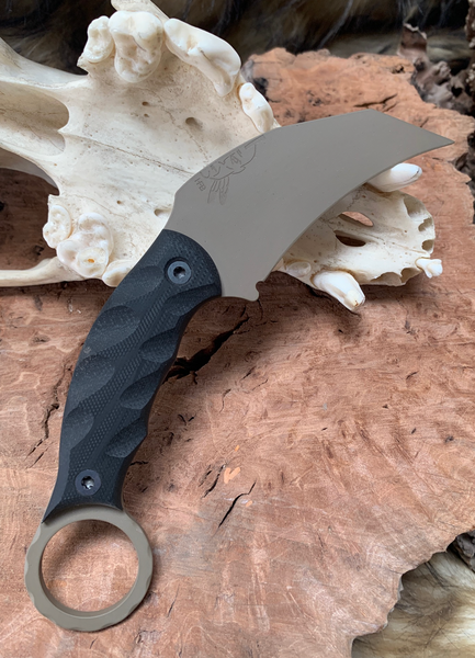 Karambito blade, black G10 lightning grip, flat dark earth cerakote, , black bolts, grey G10 liners,
