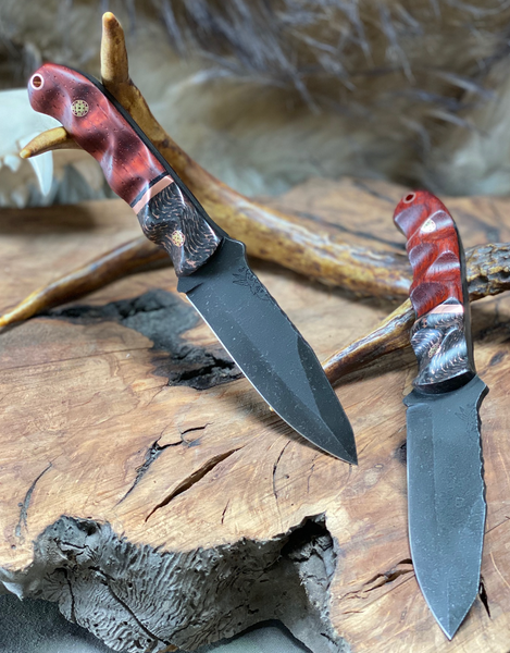 Disaster jr blade, Copper infused caron fiber spit, copper pin strip, paduk wood bottom, black G10 liners, copper and brass mosaic pins, copper lanyard pin,