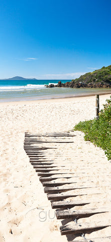 A rustic beach track points the way to Hat Head beach