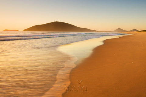 Photo of Bennetts Beach HN0977 - Gusha