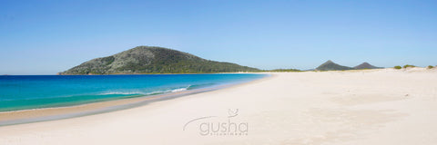 Photo of Bennetts Beach HN2062 - Gusha