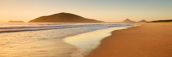 Photo of Bennetts Beach HN2196 - Gusha