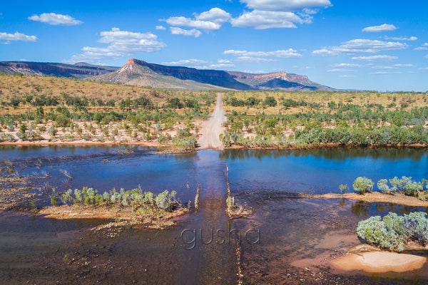 Depending on the direction of approach, the Pentecost River crossing marks the beginning or the end of the Gibb River Road adventure. Rising high in the distance, the Cockburn Range provides a breathtaking backdrop.