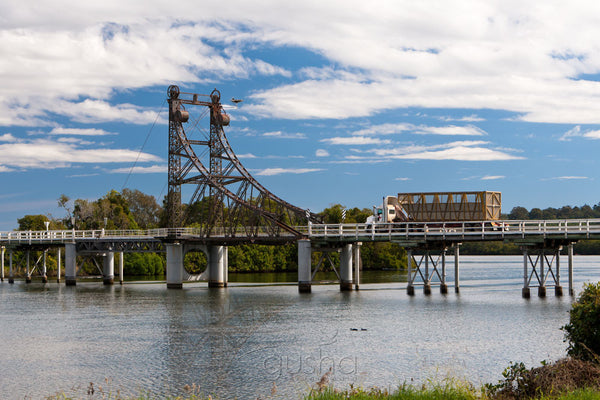 Photo of McFarlane Bridge MC1818 - Gusha