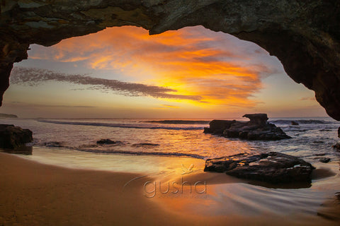 Caves Beach RC3849
