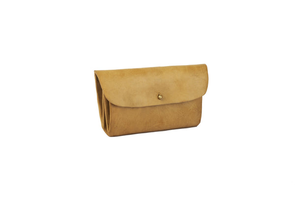 LEATHER ENVELOPE CLUTCH - BEIGE