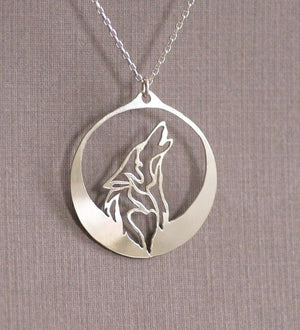 Necklace - Howling Wolf Necklace