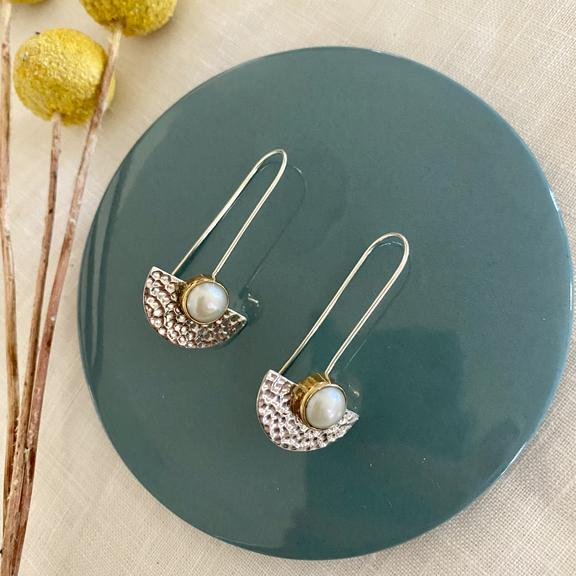 GREENWOOD DESIGNS | Hammered Sterling Silver & Bezel set Pearl Earring's 032