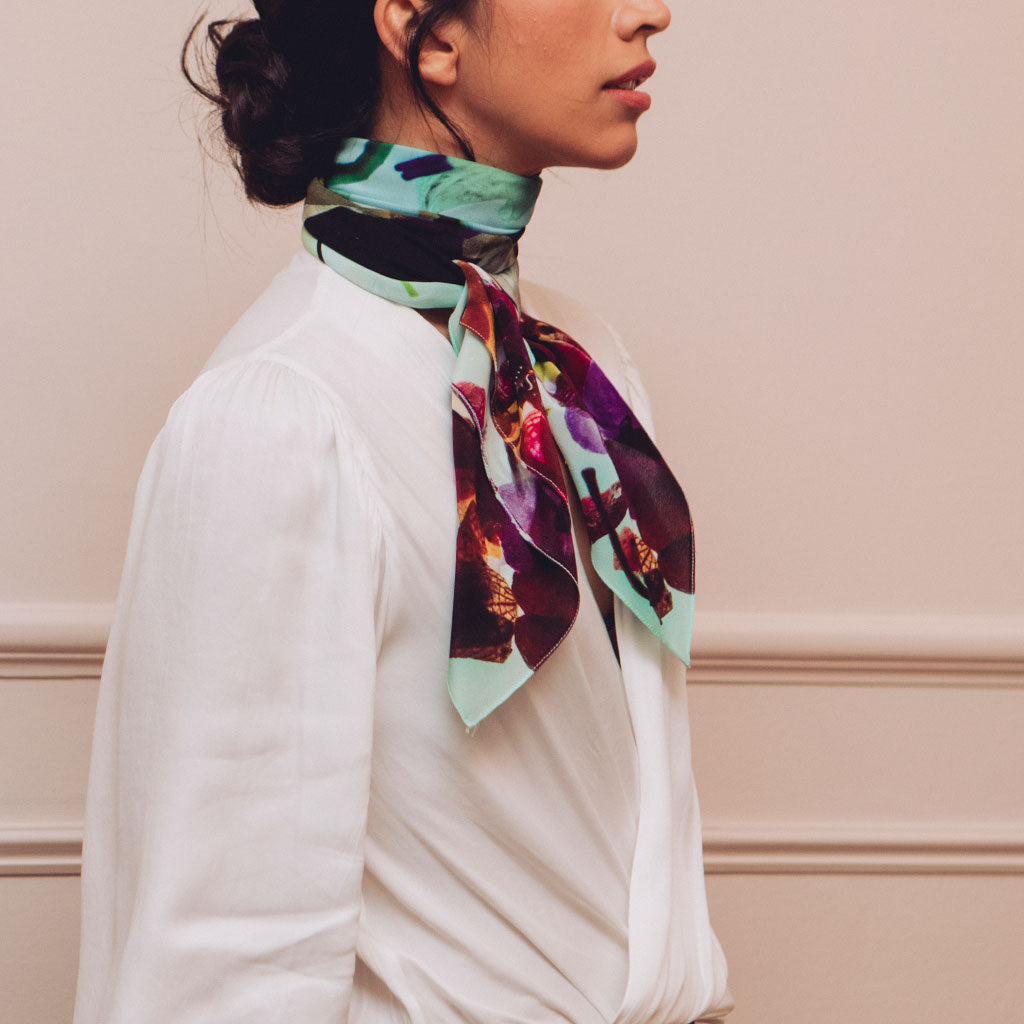 THAW PURPLE WHITE SILK 90 X 90CM SCARF