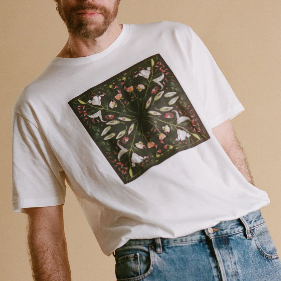 MIRROR LILY UNISEX T SHIRT