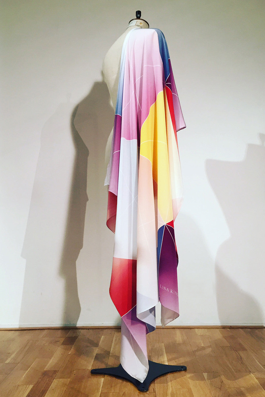 MULTICOLOUR FORTUNE SILK 140 X 140 CM SCARF