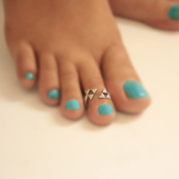 Aztec Flip Toe Ring - Quirksmith