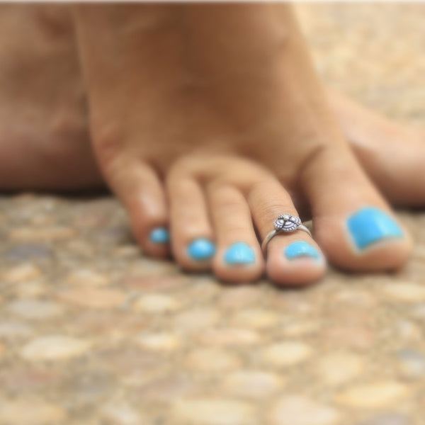 Petal Toe Ring - Quirksmith