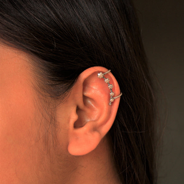 Shevanti Earclip - Quirksmith