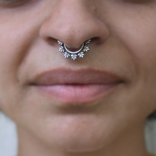 Maple Leaves Septum Ring - Quirksmith