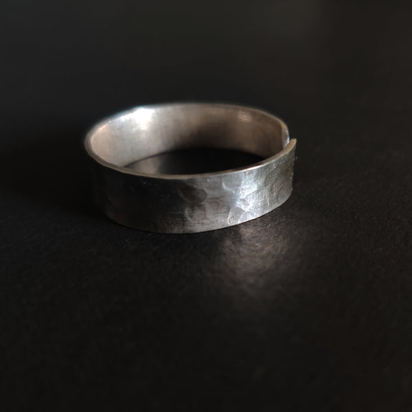 Hammered Finish Big Toe Ring