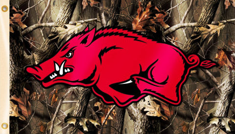 Arkansas Razorbacks 3' x 5' Flag (Realtree Camo) NCAA