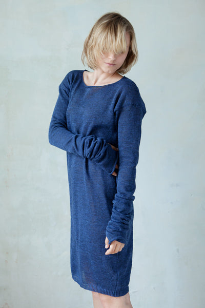 Linen long sleeved knit dress with thumb holes