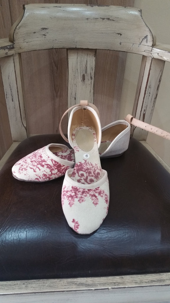 Cream & Burgundy flower shoe