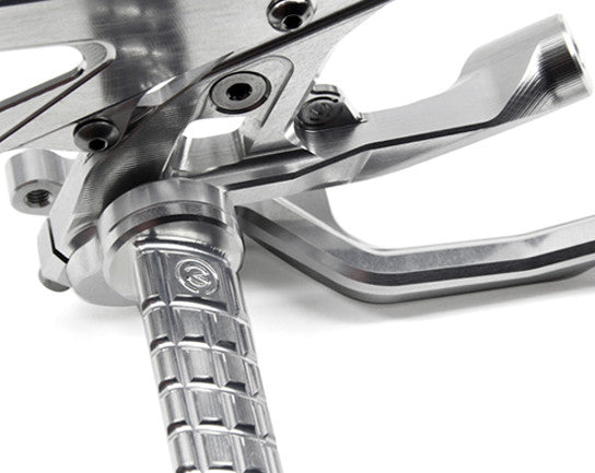 MOTOCORSE FOOTPEGS KIT WITH TITANIUN SCREWS SILVER ANODIZED STANDARD SHIFT