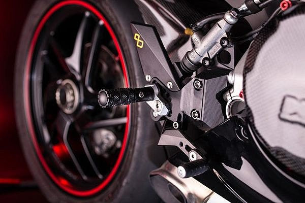LIGHTECH DUCATI PANIGALE 1299 ADJUSTABLE REARSETS R VERSION