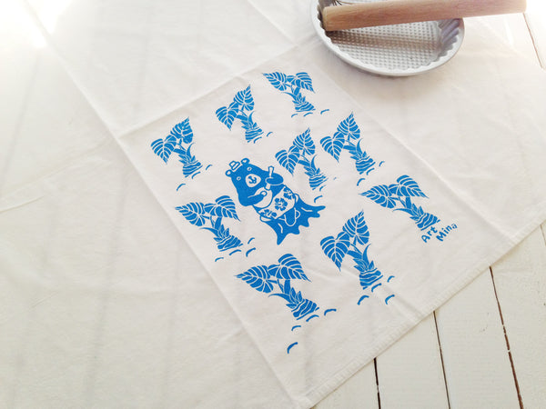 Art Mina Hawaiian bear tea towel