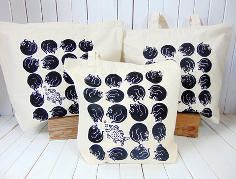 "Canvas Tote Bag ""Dreaming Kuro-Chan"""