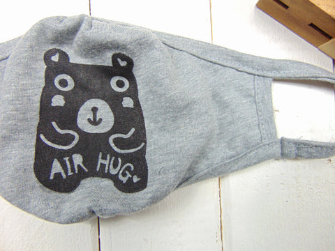 "Art Mina Youth Face Mask ""Air Hug Bear"""